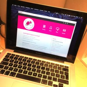 Website von LebeLeicht·Coaching auf einem Notebook